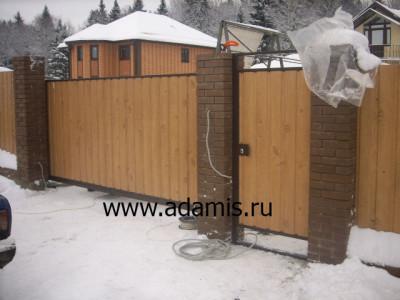 Откатные ворота от фирмы «Адамис»