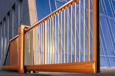 Ворота, установленные при въезде на предприятия и организации