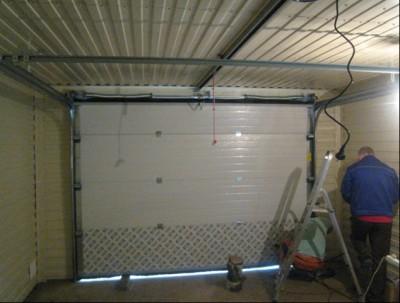 Монтаж ворот секционных в гараже