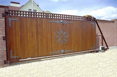 Монтируют все типы современных ворот