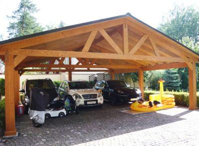 Деревянный навес под автомобиль
