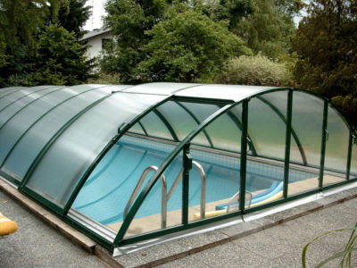 Рис. 6 – Навес, выполненный из материала поликарбонат, используется для защиты бассейна от загрязнений