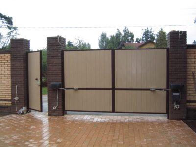 Распашные ворота с автоматическим открыванием