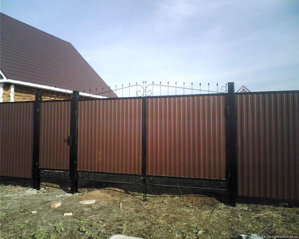 Забор и ворота из профнастила фото откатных металлических ворот