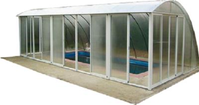 Непрозрачный навес над бассейном на столбах